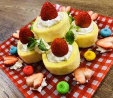 いちごDeミニロールケーキ